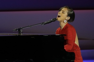 Alicia Keyes performin Obama's On Fire at the 2013 Inaugural BallImage by AP